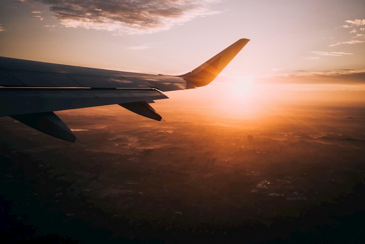 飛行機の旅行